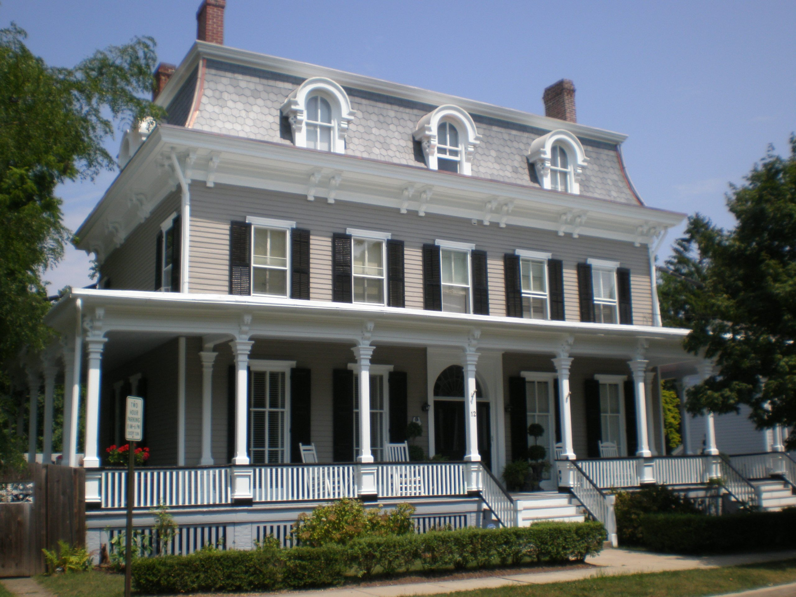 Home and Building Historical Restoration Roofing and Siding